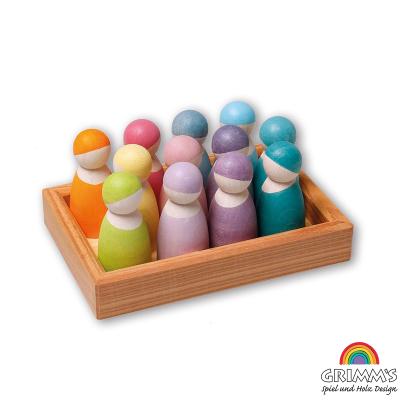 12 Nins color pastel en bandeja