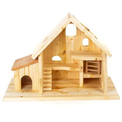 Establo granero de madera natural