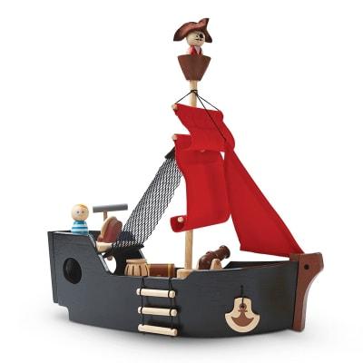 Barco pirata con accesorios