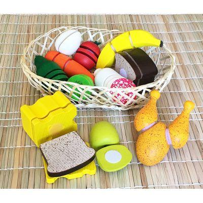 Juego de vegetales y proteínas de madera en cesta
