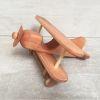 Avión grande, línea madera nativa
