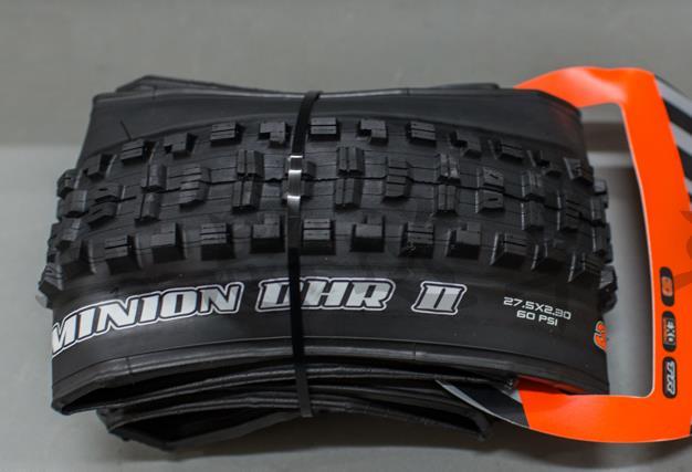 Neumatico Minion DHF 26x2.50 Alambre Downhill