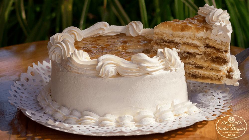 Torta Panqueque Chantilly Piña