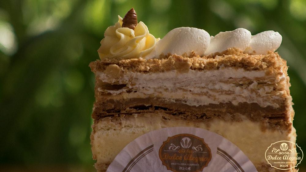 Pastel Mil Hojas Manjar Crema Pastelera