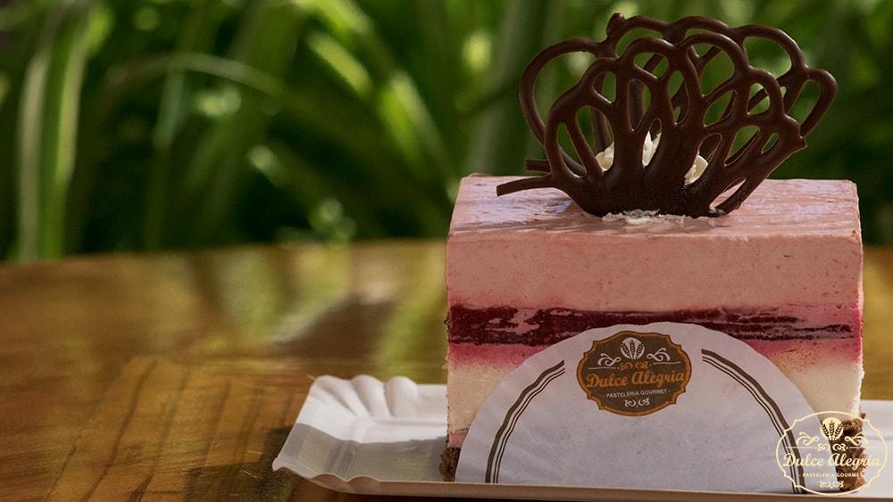Pastel Mousse Chocolate Blanco