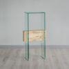 Plinto vidrio travesaño madera