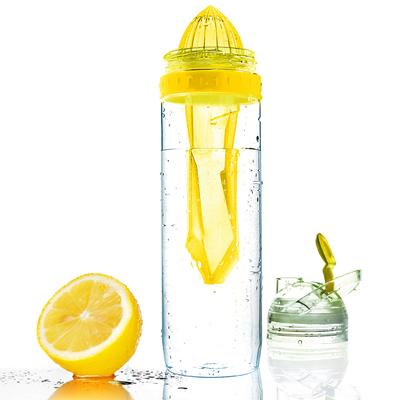 Botella para cítricos con exprimidor - Citrus 2 go