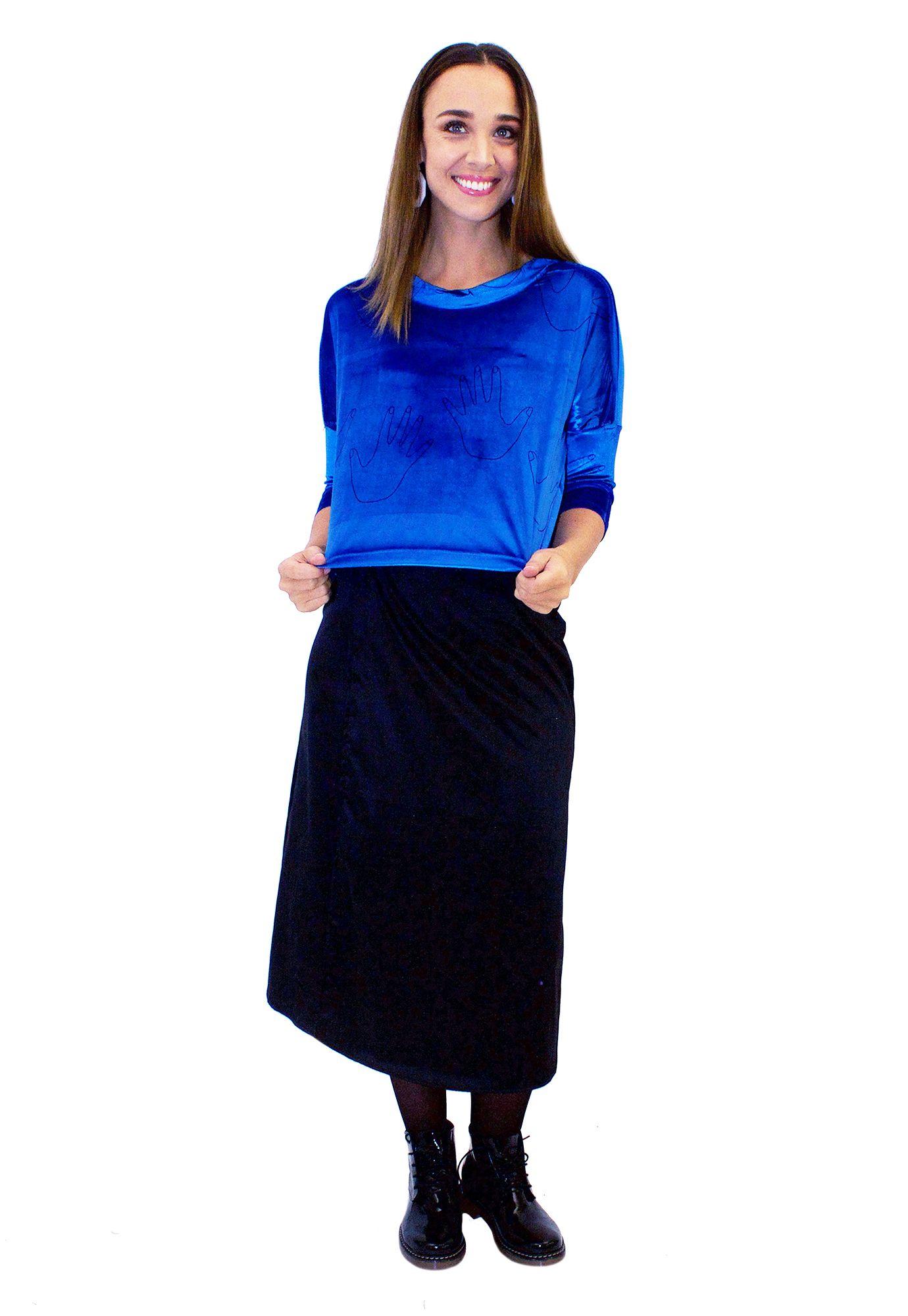 Poleron Crop Azul Manos - Loreto Correa - Agrupa