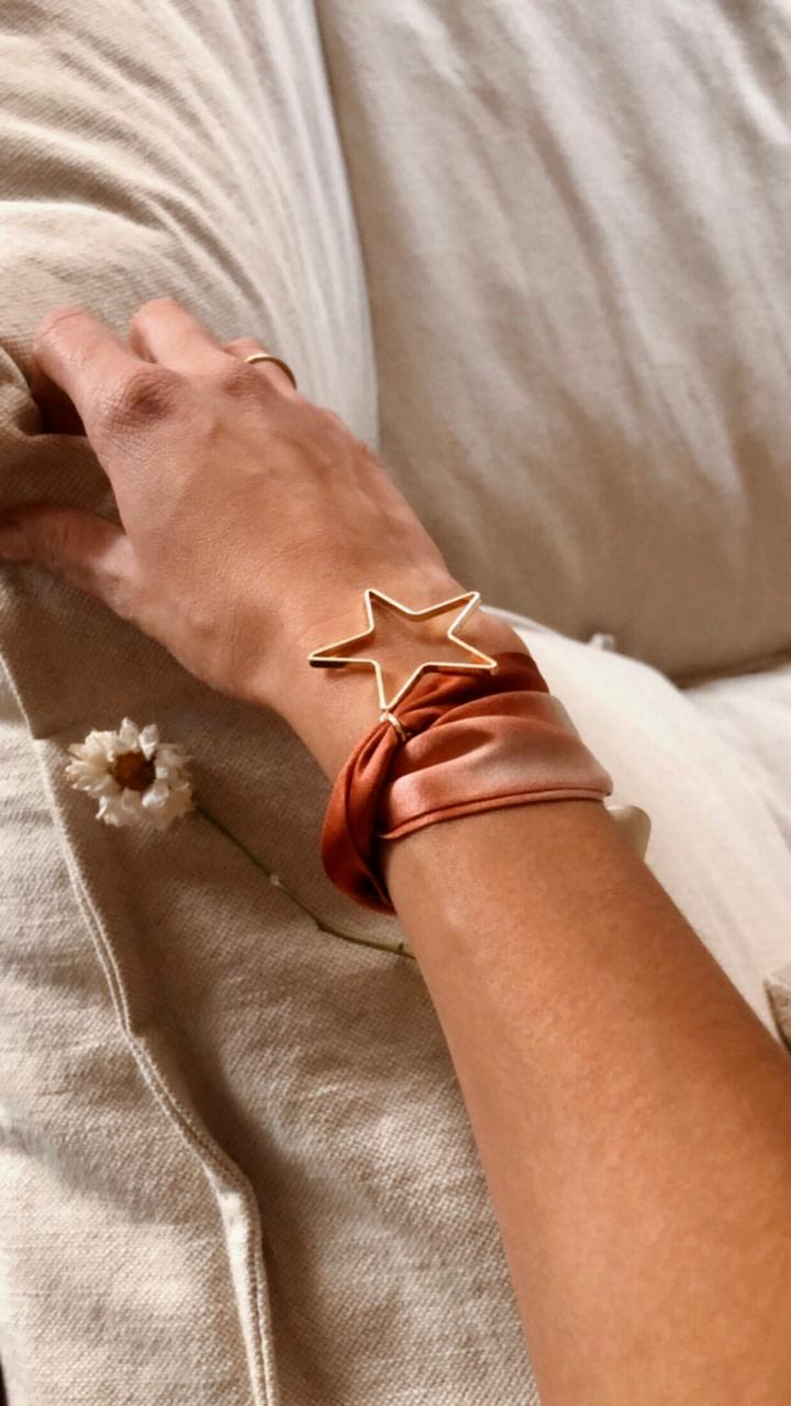 Pulsera seda natural Roja Estrella