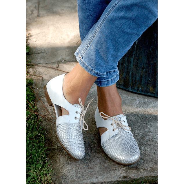 Zapato Cutout Blanco y textura plata