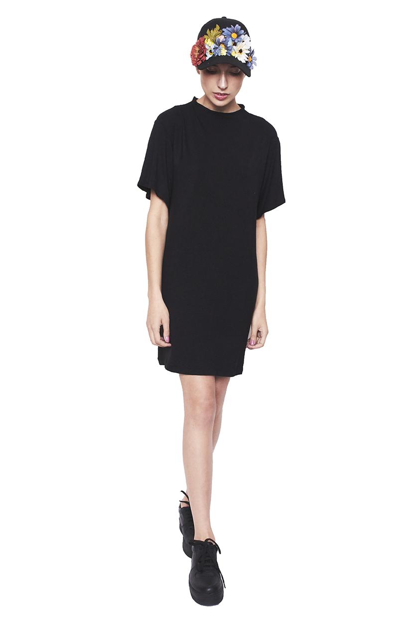 Vestido cuello negro