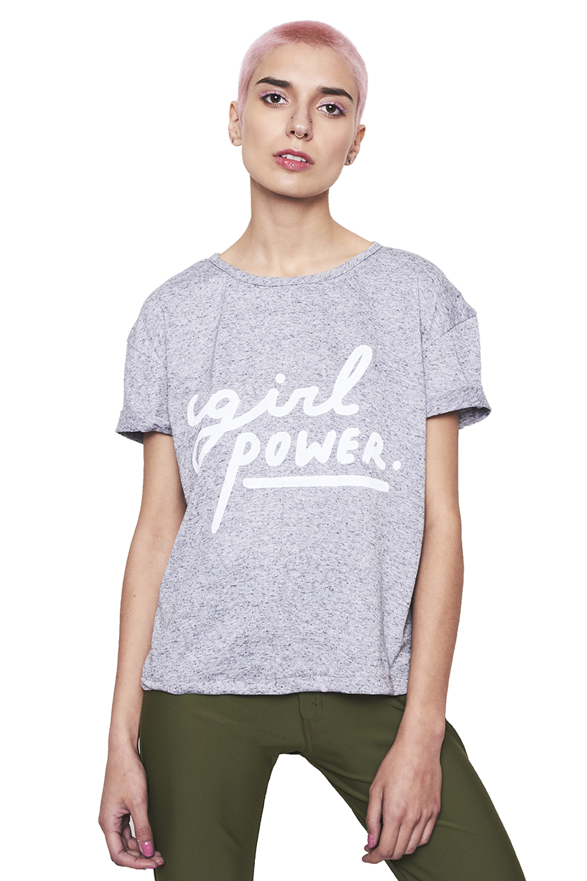 Polera basica gris girl power blanco