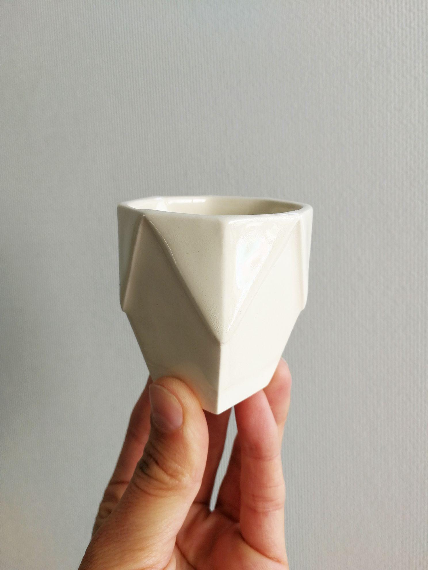 Vaso Hexagonal Ceramica Gres Tamaño Espresso Original Positivo