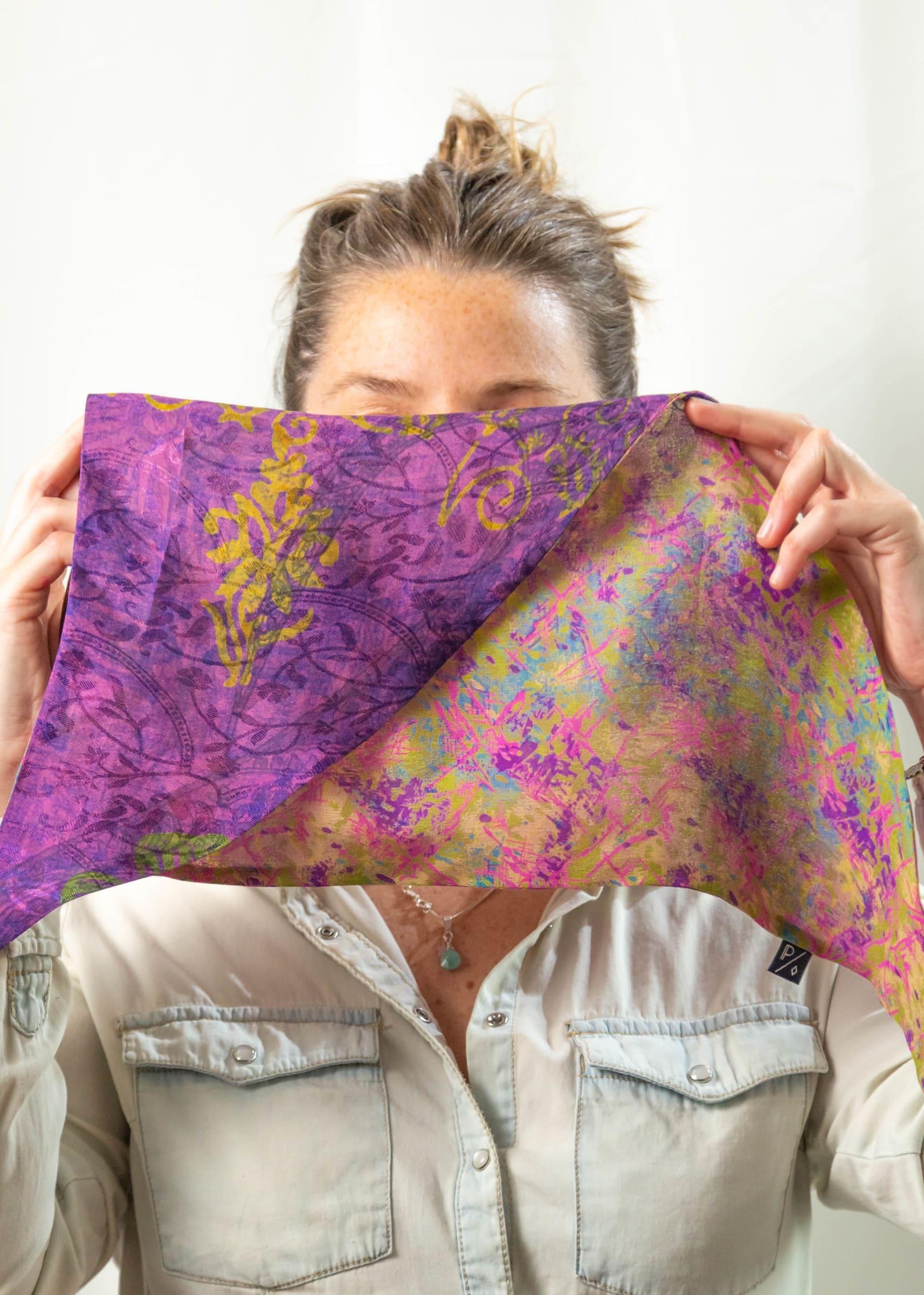Pañoleta de Seda Reversible violeta verde