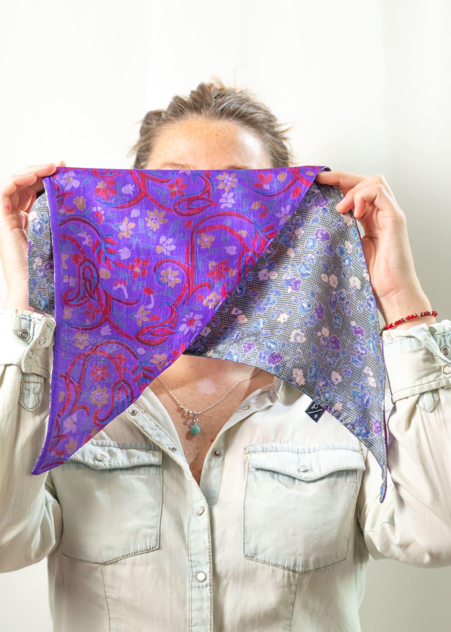 Pañoleta de Seda Reversible violeta gris