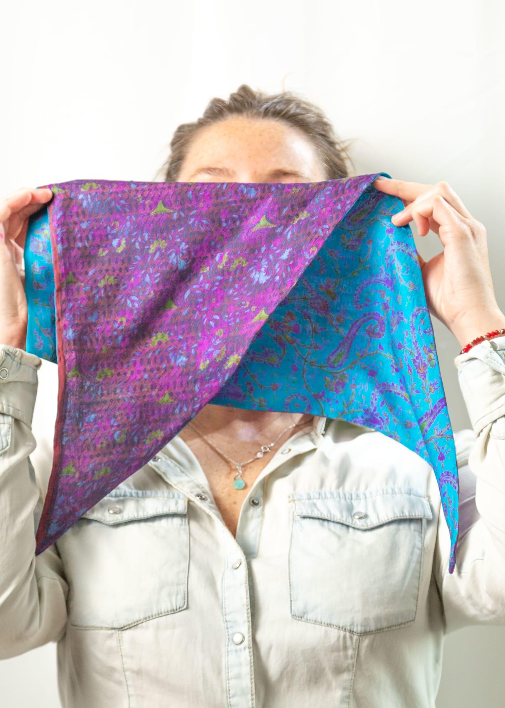 Pañoleta de Seda Reversible violeta calipso