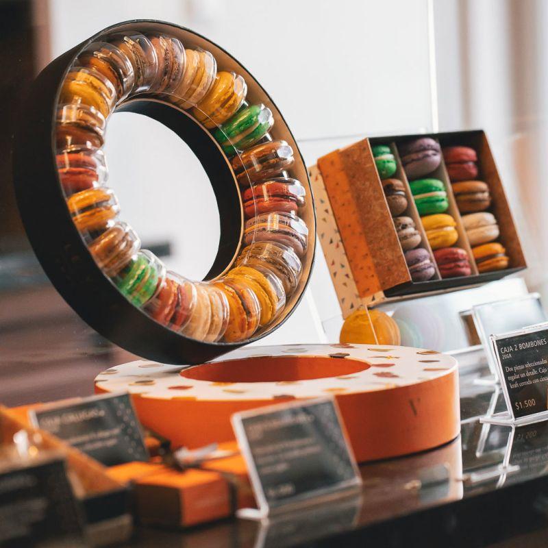 ¡Nuevos formatos de 20 macarons, 15 y 25 bombones ya disponibles!