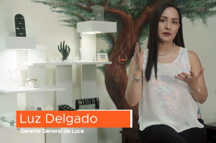 Luz Delgado, Perú
