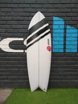 Tabla De Surf Artemis Three Line Black 5'6''1