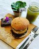 PROMO BURGER VEGANA QUINOA + LIMONADA + BROWNIE