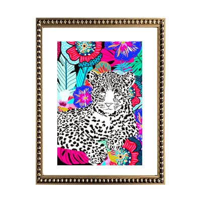 Leopardo Blanco en Flores1