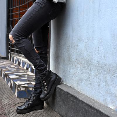 Bototo Negro con cordones <br> <b>2x$24.990</b>