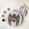 Mini Kit para bordar Corazón Alas y Ornamento