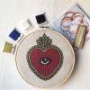 Mini Kit para bordar Corazón Ojo